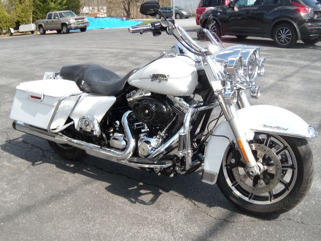 2013 Harley-Davidson Road King Classic FLHRC103