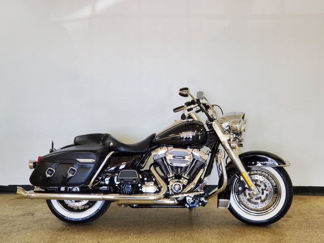 2013 Harley-Davidson Road King Classic FLHRC103 in Fort Worth , Texas 76111