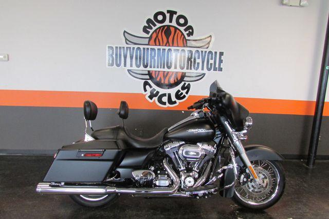 2013 Harley-Davidson Street Glide® Base in Arlington, Texas 76010