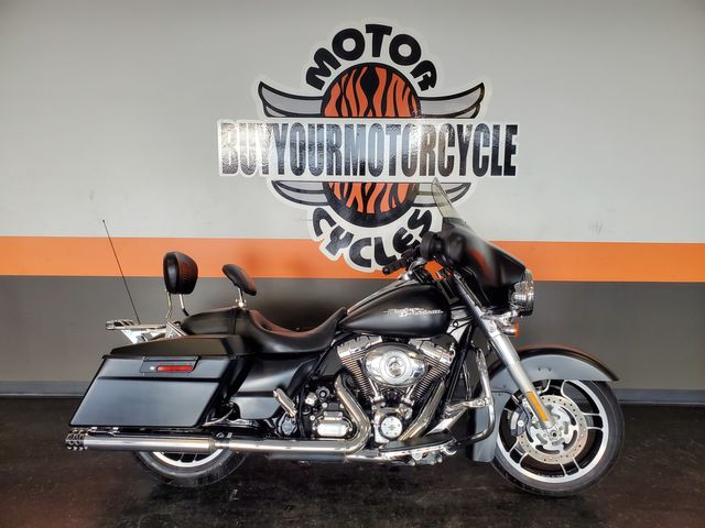 2013 Harley-Davidson Street Glide® Base in Arlington, Texas 76010