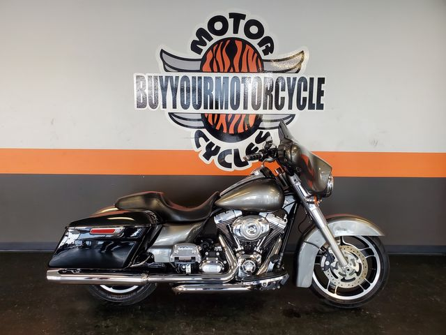 2013 Harley-Davidson Street Glide® Base in Fort Worth , Texas 76111