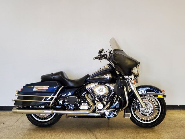 2013 Harley-Davidson Ultra Classic Electra Glide FLHTCU in Fort Worth , Texas 76111