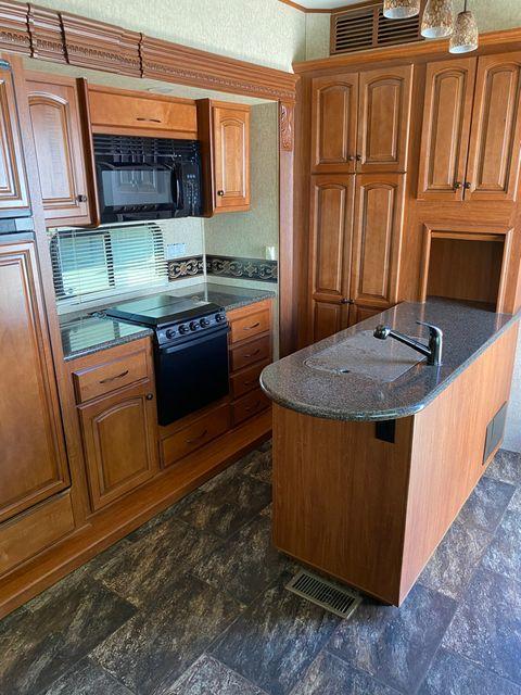 2013 Heartland BIG COUNTRY 3691SK in Mandan, North Dakota 58554