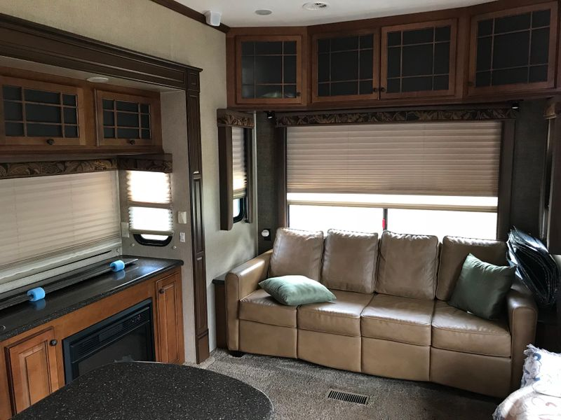 2013 Heartland Bighorn 3620 Elite  city FL  Manatee RV  in Palmetto, FL