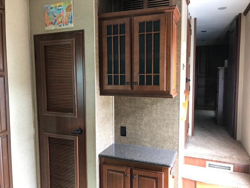 2013 Heartland Bighorn 3620 Elite Very Clean  city FL  Manatee RV  in Palmetto, FL