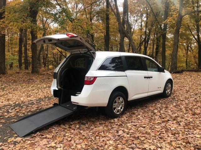 2013 Honda Odyssey Handicap wheelchair accessible rear entry