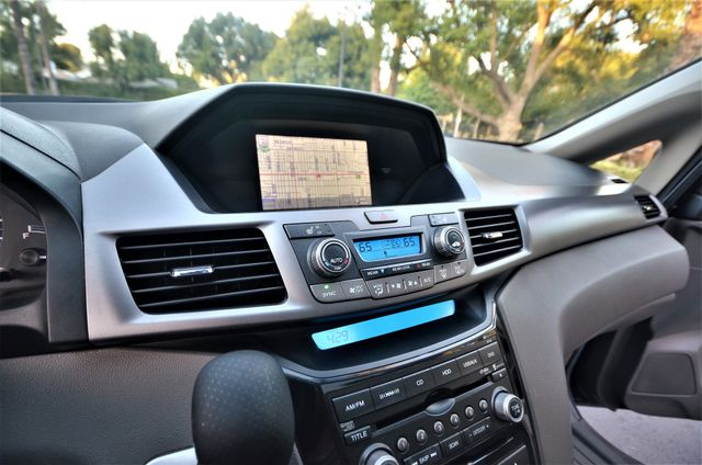 2013 Honda Odyssey Touring Elite Reseda, CA 28