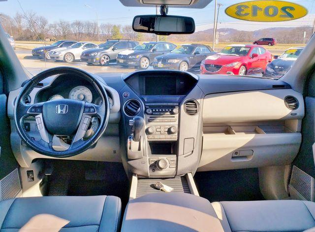 2013 Honda Pilot Touring FWD w/DVD in Louisville, TN 37777