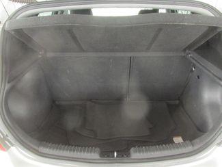 2013 Hyundai Accent 5-Door SE Gardena, California 11