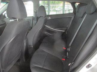 2013 Hyundai Accent 5-Door SE Gardena, California 10
