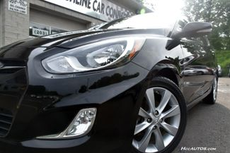 2013 Hyundai Accent 5-Door SE Waterbury, Connecticut 8