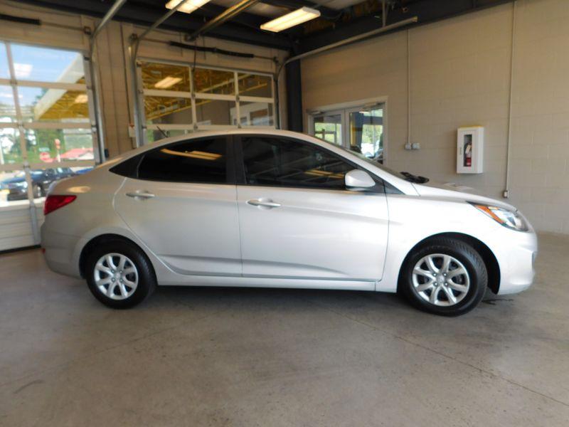 2013 Hyundai Accent GLS  city TN  Doug Justus Auto Center Inc  in Airport Motor Mile ( Metro Knoxville ), TN