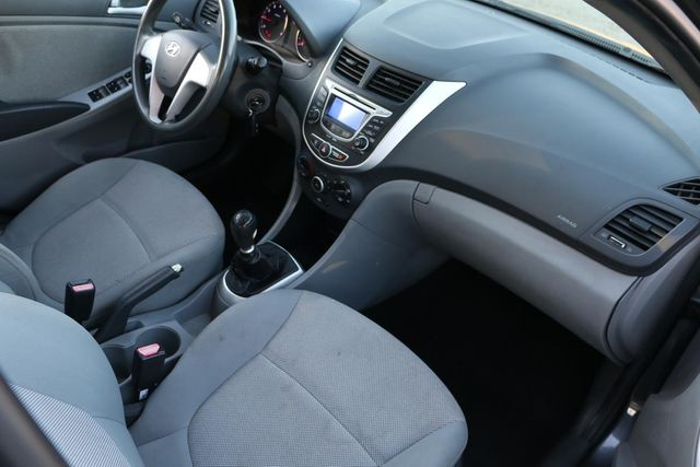 2013 Hyundai Accent GLS MANUAL TRANS Santa Clarita, CA 9