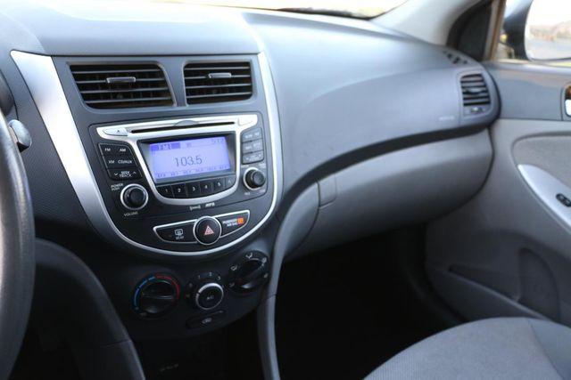 2013 Hyundai Accent GLS MANUAL TRANS Santa Clarita, CA 18