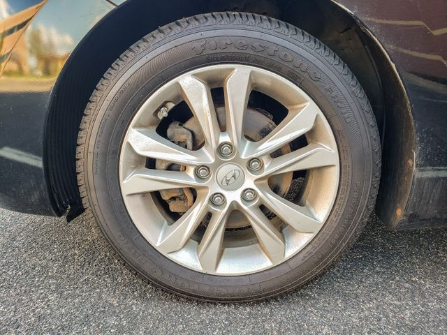 2013 Hyundai Elantra GT 6 mo 6000 mile warranty Maple Grove, Minnesota 41