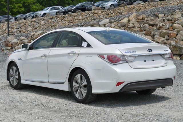 2013 Hyundai Sonata Hybrid Limited Naugatuck, Connecticut 2