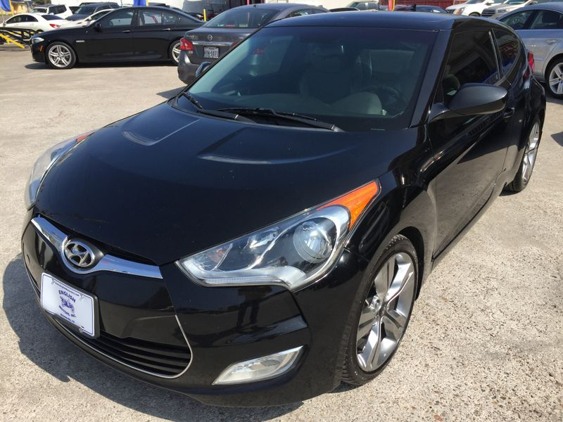 2013 Hyundai Veloster wGray Int  Brownsville TX  English Motors  in Brownsville, TX