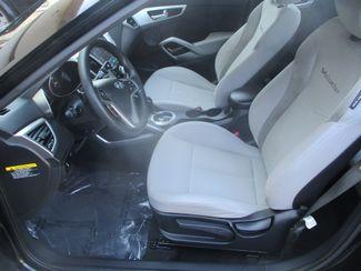 2013 Hyundai Veloster w/Gray Int Farmington, MN 2