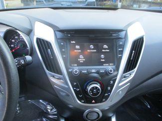 2013 Hyundai Veloster w/Gray Int Farmington, MN 4
