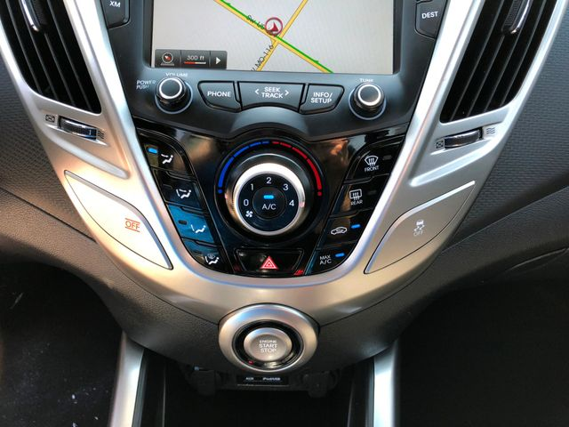 2013 Hyundai Veloster in Gower Missouri, 64454