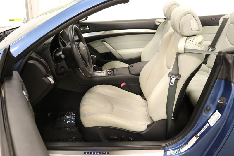 2013 Infiniti G37 Convertible Base  city NC  The Group NC  in Mansfield, NC