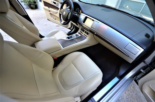 2013 Jaguar XF V6 RWD Reseda, CA 36