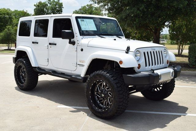 2013 Jeep Wrangler Unlimited Sahara LIFTED W/CUSTOM WHEELS AND TIRES