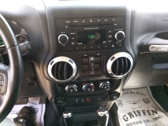 2013 Jeep Wrangler Unlimited Sahara Houston, Mississippi 12