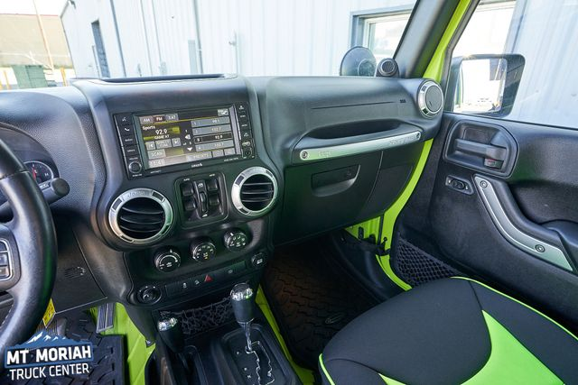2013 Jeep Wrangler Unlimited Rubicon in Memphis Tennessee, 38115