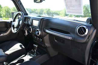 2013 Jeep Wrangler Unlimited Rubicon 4WD Naugatuck, Connecticut 10