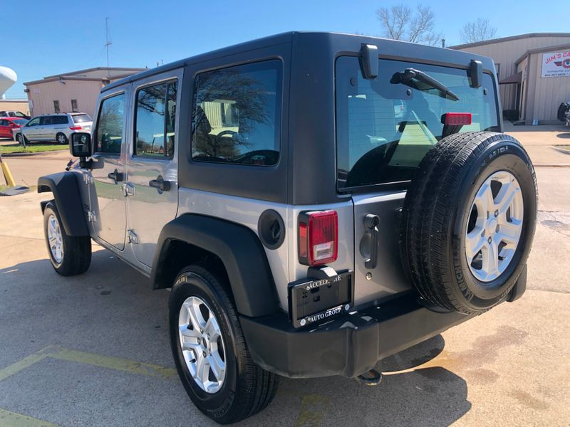 2013 Jeep Wrangler Unlimited RHD AUTO TRANS CLEAN CARFAX 4X4 GD SERVICE HISTORY in Rowlett, Texas