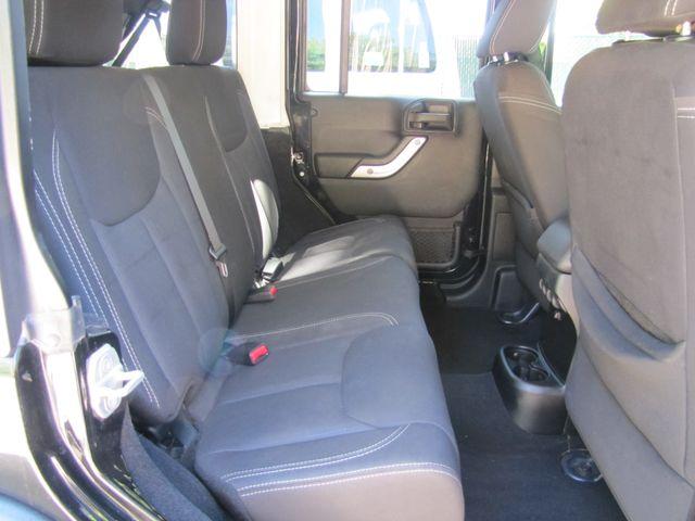 2013 Jeep Wrangler Unlimited Rubicon St. Louis, Missouri 4