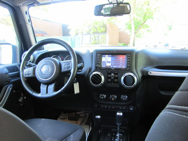 2013 Jeep Wrangler Unlimited Rubicon St. Louis, Missouri 5