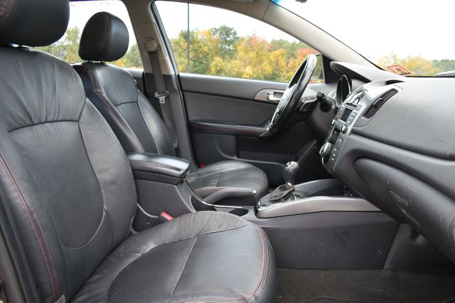 2013 Kia Forte 5-Door SX Naugatuck, Connecticut 9