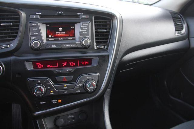 2013 Kia Optima Hybrid LX Santa Clarita, CA 17