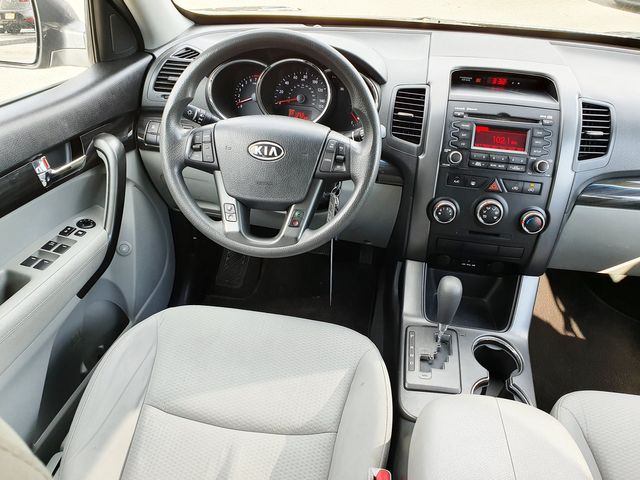 2013 Kia Sorento LX 3.5L V6 w/3rd Rear Seat in Louisville, TN 37777