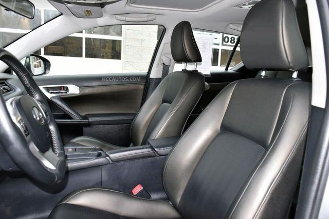 2013 Lexus CT 200h Hybrid Waterbury, Connecticut 14