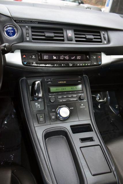 2013 Lexus CT 200h Hybrid Waterbury, Connecticut 26