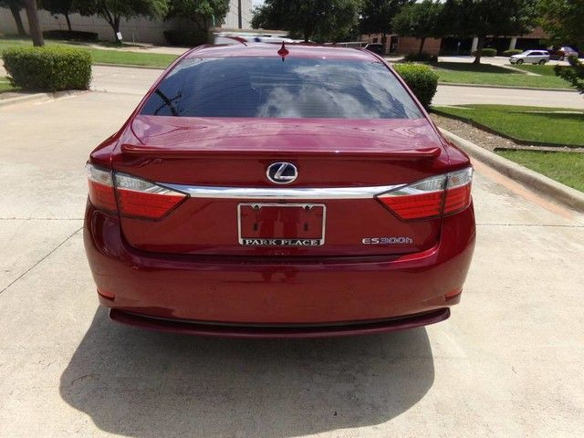 2013 Lexus ES 300h Hybrid ONE OWNER in Carrollton, TX 75006