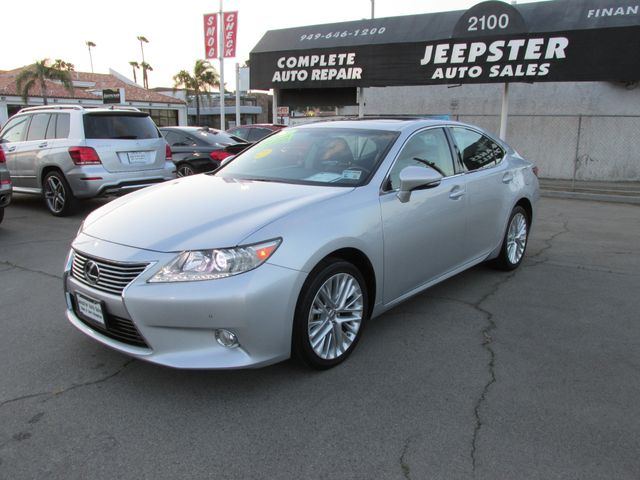 2013 Lexus ES 350 Luxury 4dr Sdn in Costa Mesa, California 92627
