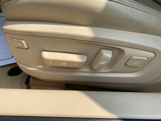 2013 Lexus ES 350 4dr Sdn Madison, NC 25