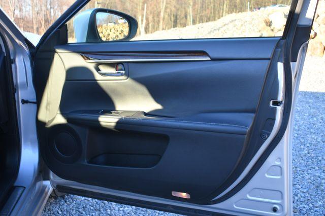 2013 Lexus ES 350 4dr Sdn Naugatuck, Connecticut 10