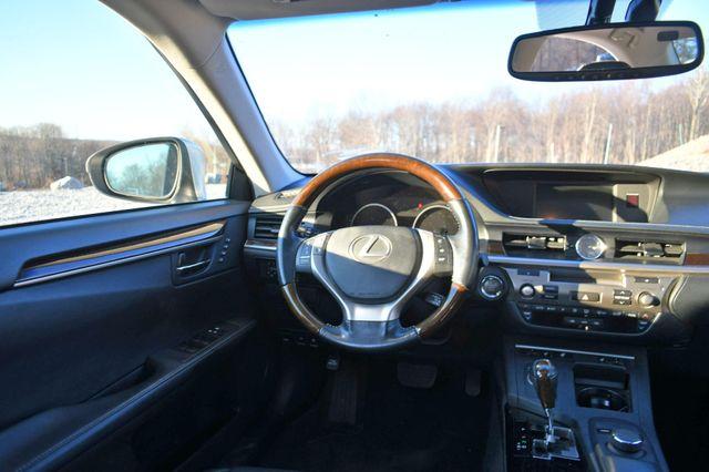 2013 Lexus ES 350 4dr Sdn Naugatuck, Connecticut 13