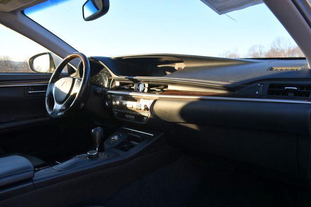 2013 Lexus ES 350 4dr Sdn Naugatuck, Connecticut 8