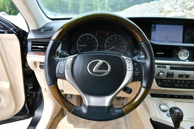 2013 Lexus ES 350 4dr Sdn Naugatuck, Connecticut 17