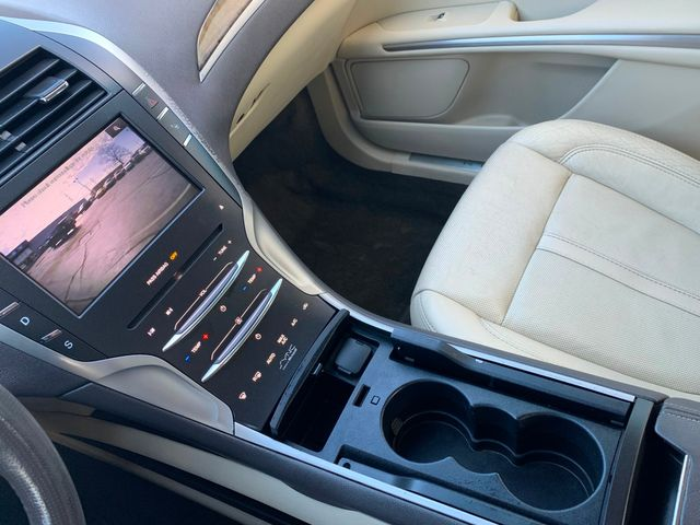 2013 Lincoln MKZ Base in Memphis, Tennessee 38115