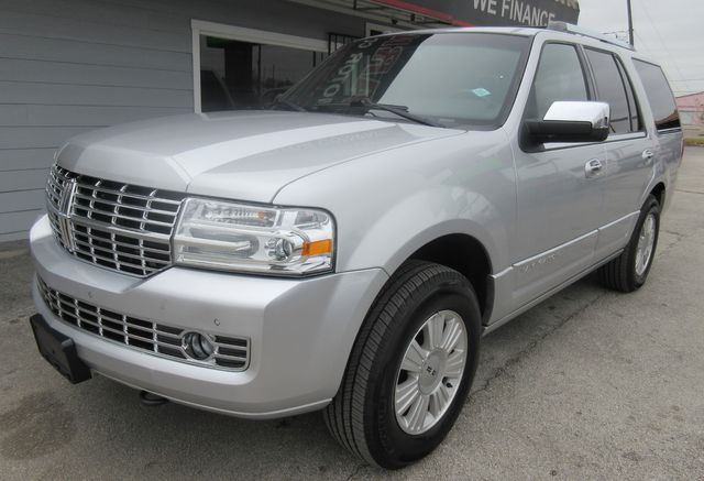 2013 Lincoln Navigator south houston, TX 1