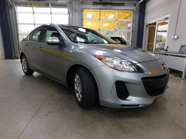 2013 Mazda Mazda3 i SV in Airport Motor Mile ( Metro Knoxville ), TN 37777