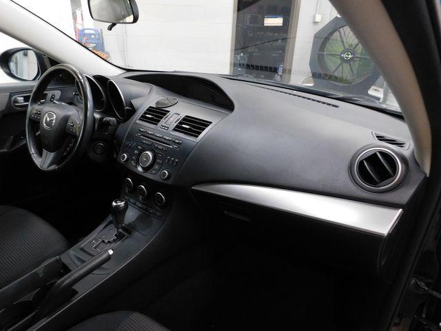2013 Mazda Mazda3 i Touring in Airport Motor Mile ( Metro Knoxville ), TN 37777
