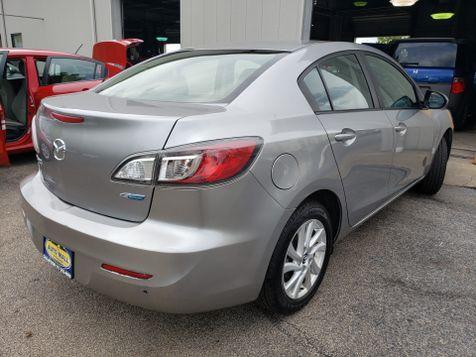 2013 Mazda Mazda3 i Sport | Champaign, Illinois | The Auto Mall of Champaign in Champaign, Illinois